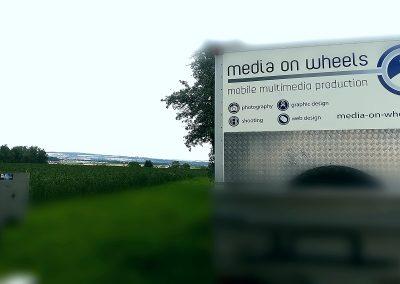 media-on-wheels01
